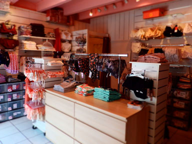 interieure magasin A fleur de Soi lingerie Guerande